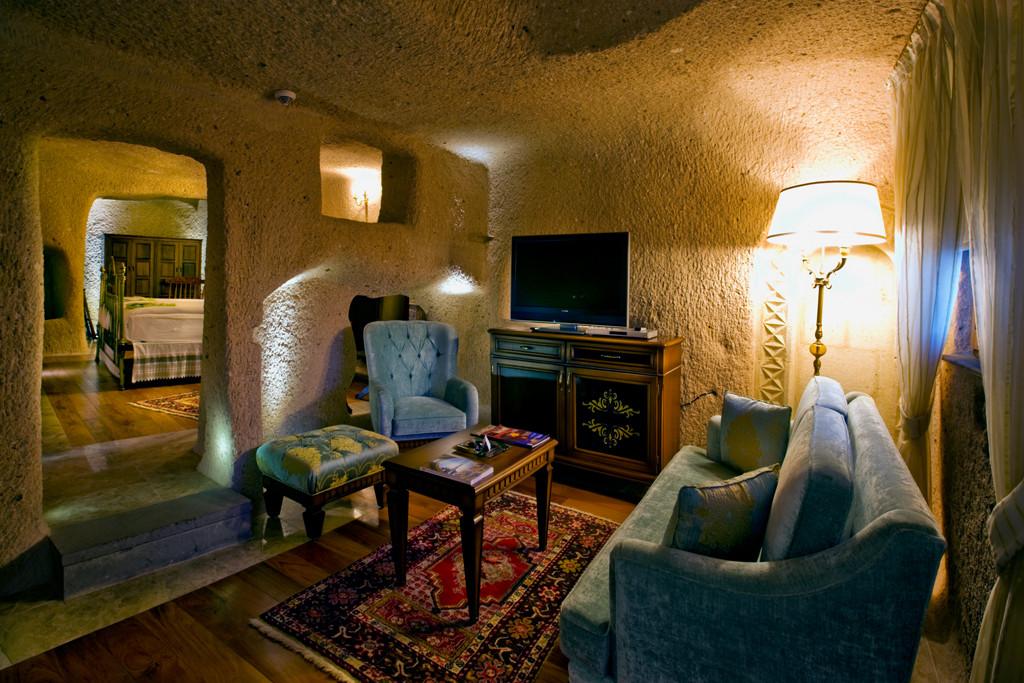 Senior Cave Suite Room