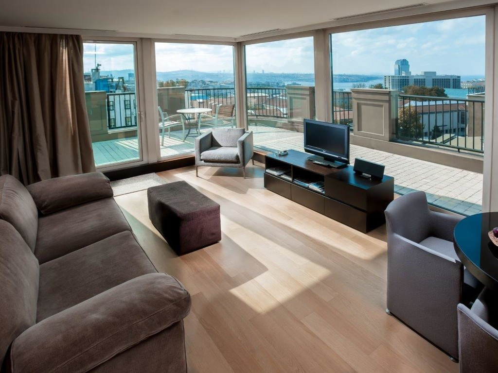 Penthouse - Bosphorus Family Room with Sea View