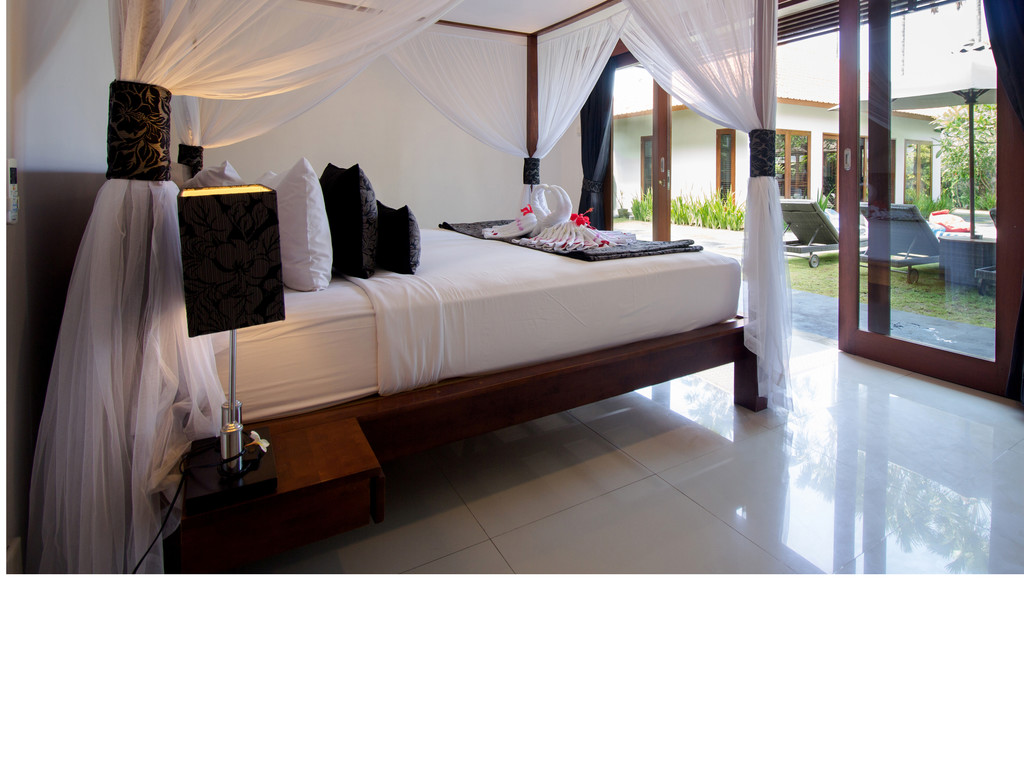 One-Bedroom Pool View Villa