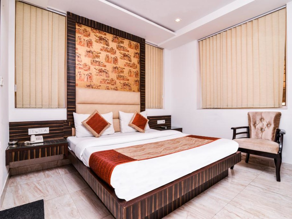 LuvyRooms Elite Paharganj 133