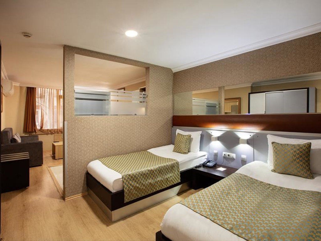 Twin Bedded Superior Suite