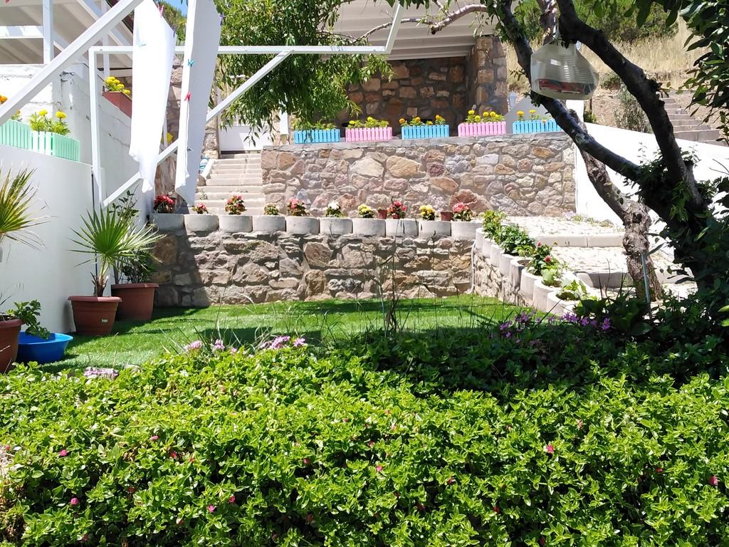 Bahçelerimiz ve Teraslarımız