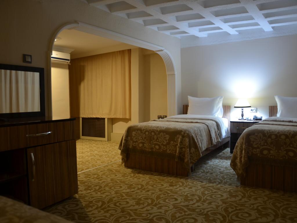 Bed & Breakfast, Family Room