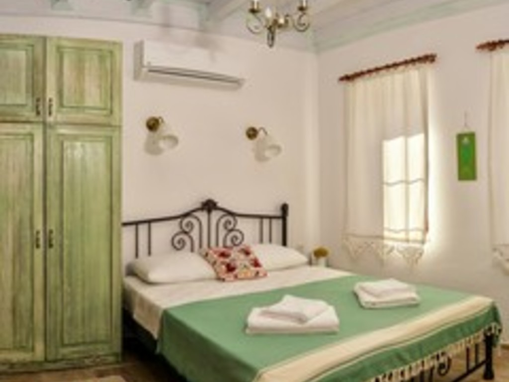 Bed & Breakfast, Standard Room