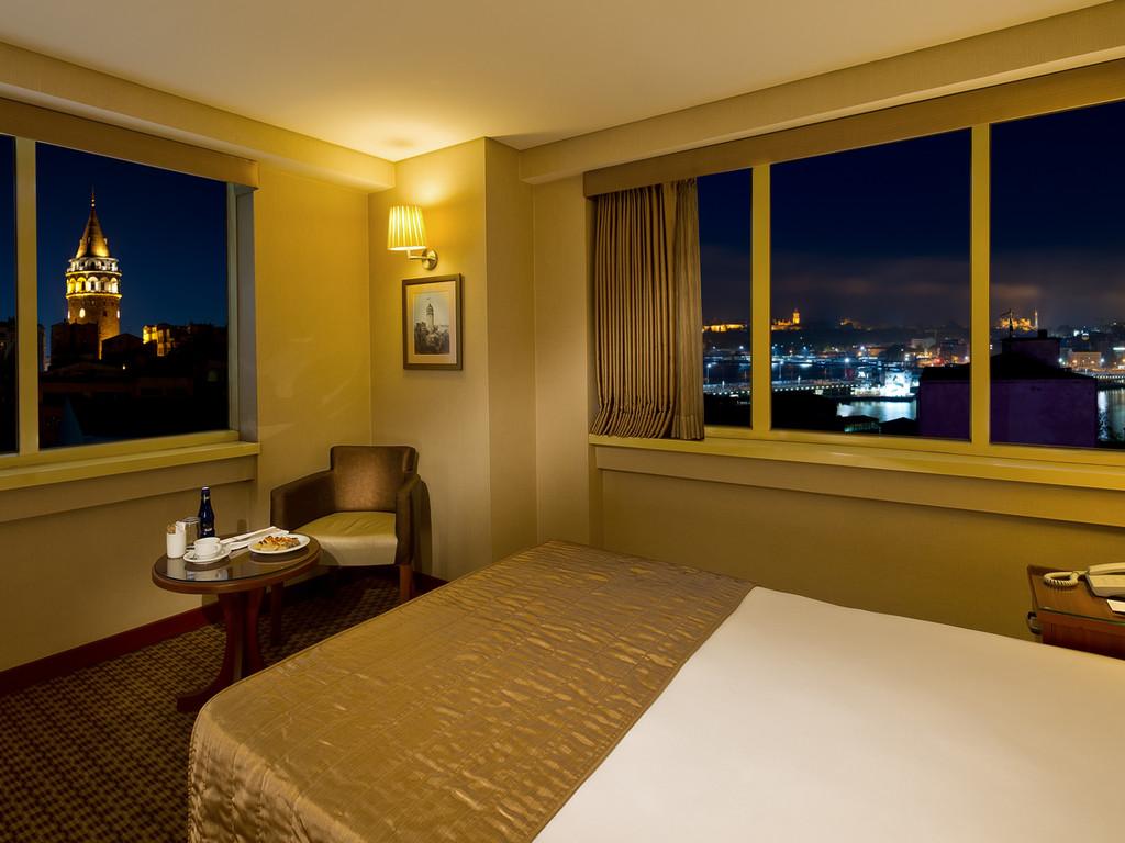 Zimmer mit Stadtblick