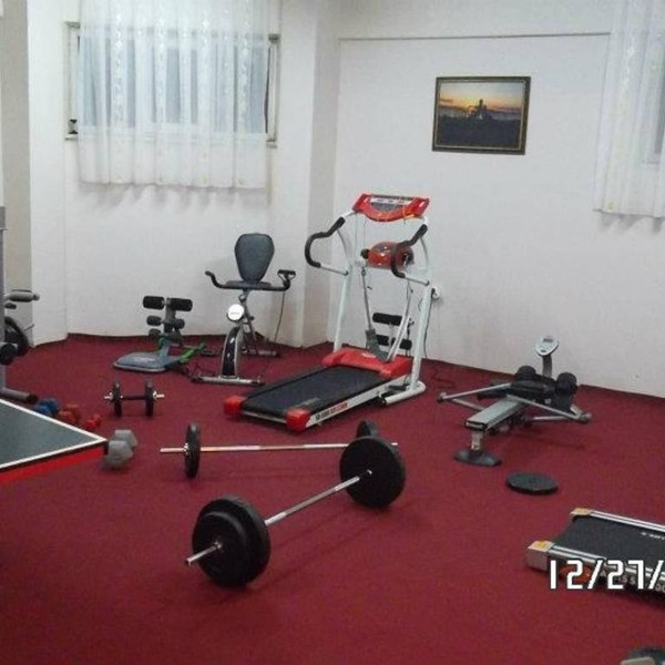 Reception (lobby) ve Fitness center
