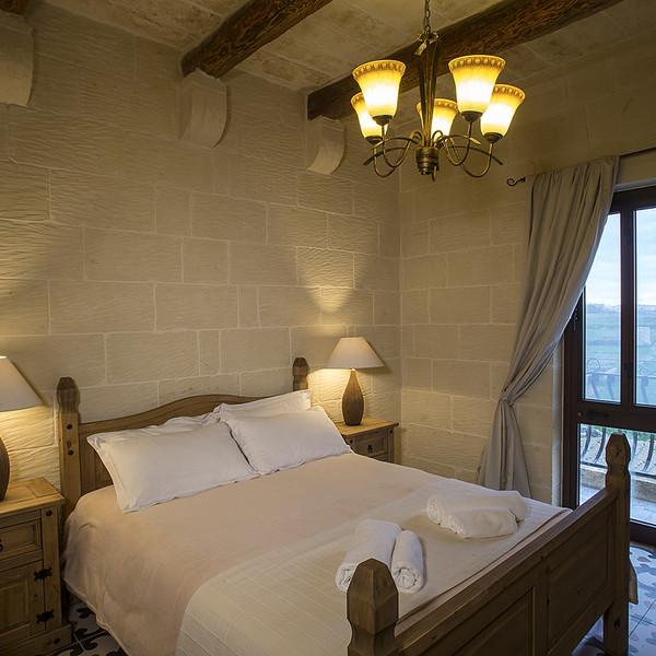 King Room with Balcony (no.5)