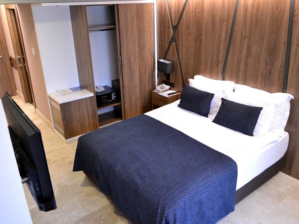 Geniş Yataklı Standart Oda
